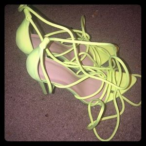 i am selling heels , only tried them on